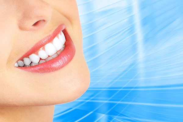 A Veneers Dentist Will Help Your Teeth Look Beautiful